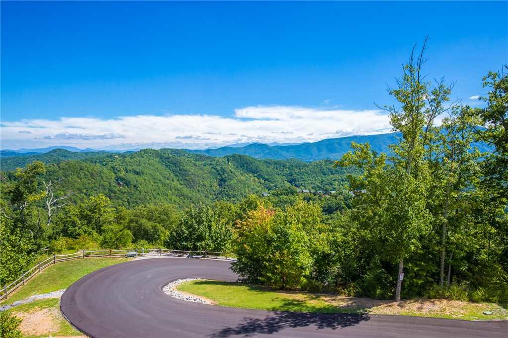 Photo of a Pigeon Forge Cabin named True Love - This is the thirty-first photo in the set.