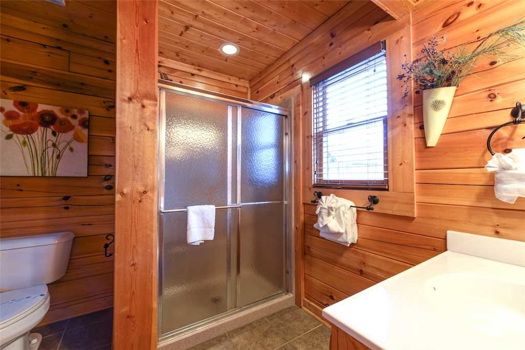 Photo of a Pigeon Forge Cabin named True Love - This is the fourteenth photo in the set.