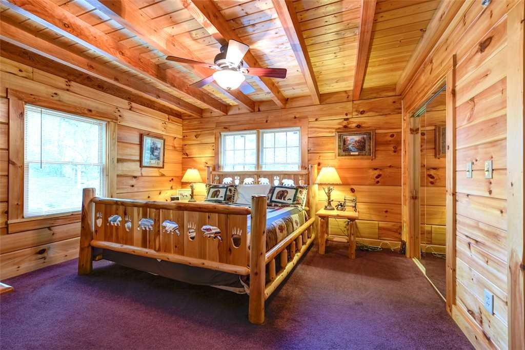 Photo of a Gatlinburg Cabin named Elkhorn Lodge - This is the nineteenth photo in the set.