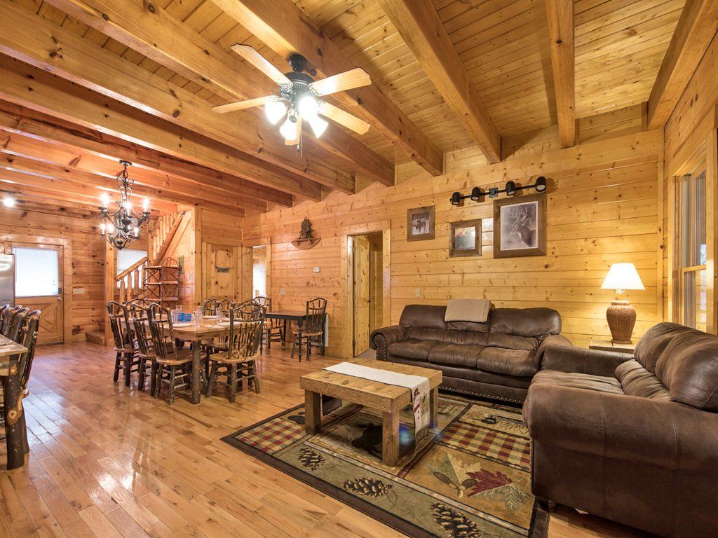 Photo of a Pigeon Forge Cabin named Creekside Getaway - This is the fourth photo in the set.