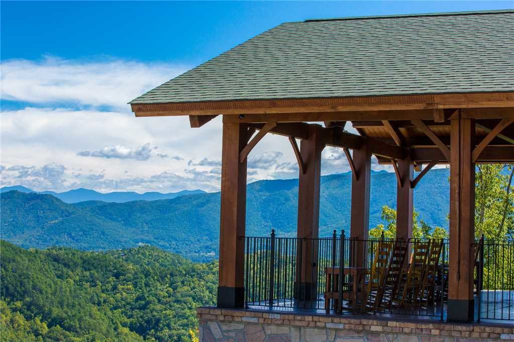 Photo of a Pigeon Forge Cabin named True Love - This is the twenty-sixth photo in the set.
