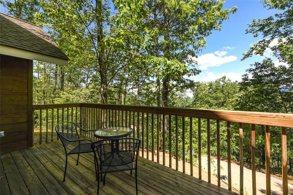 Photo of a Gatlinburg Cabin named Romance Ridge - This is the eighteenth photo in the set.