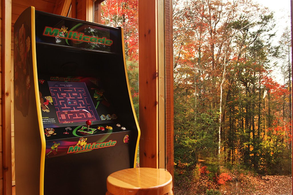 Photo of a Gatlinburg Cabin named Bear's Eye View - This is the ninth photo in the set.