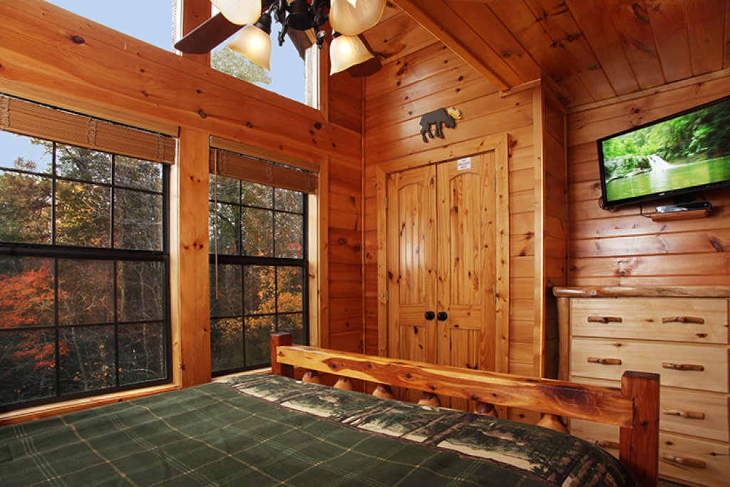 Photo of a Gatlinburg Cabin named Bear's Eye View - This is the thirteenth photo in the set.