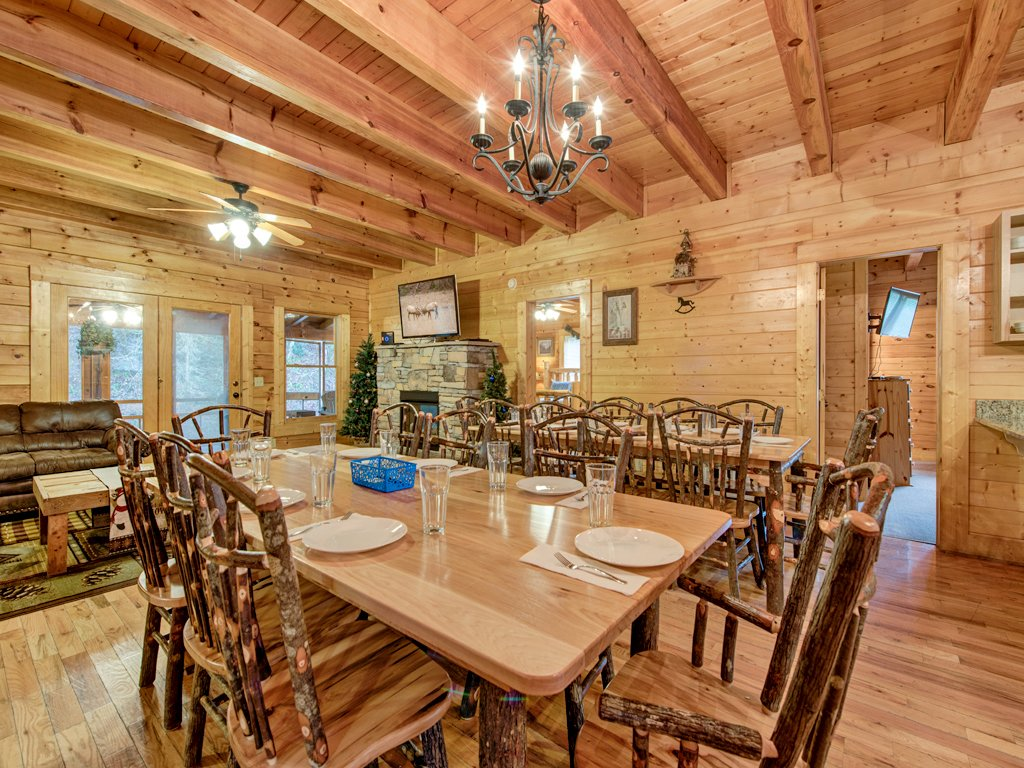 Photo of a Pigeon Forge Cabin named Creekside Getaway - This is the fifth photo in the set.