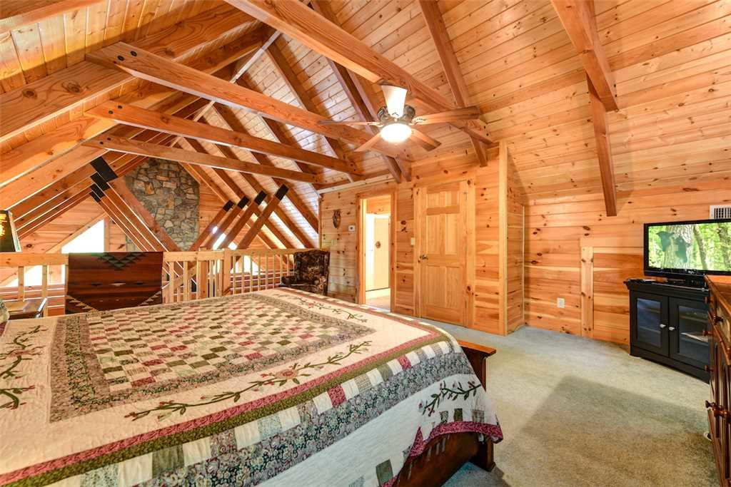 Photo of a Gatlinburg Cabin named Elkhorn Lodge - This is the fourteenth photo in the set.