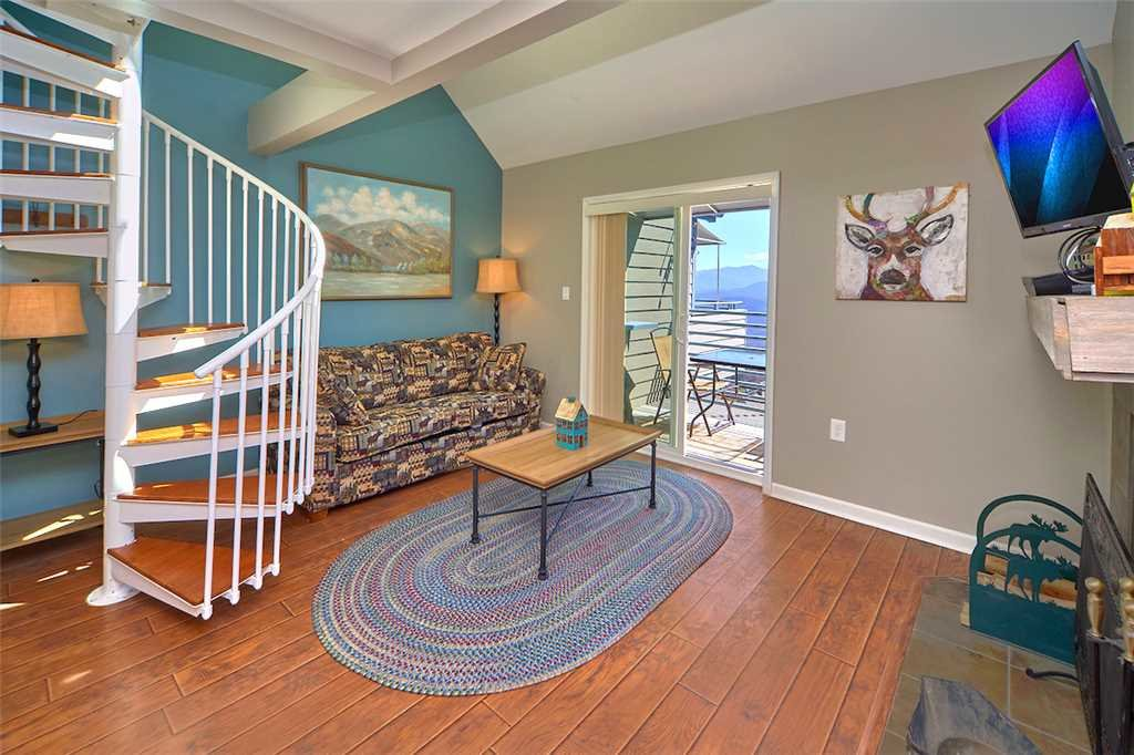Photo of a Gatlinburg Condo named Lookout Loft - This is the fourth photo in the set.
