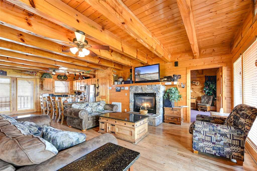 Photo of a Pigeon Forge Cabin named Mountaintop Lodge - This is the first photo in the set.