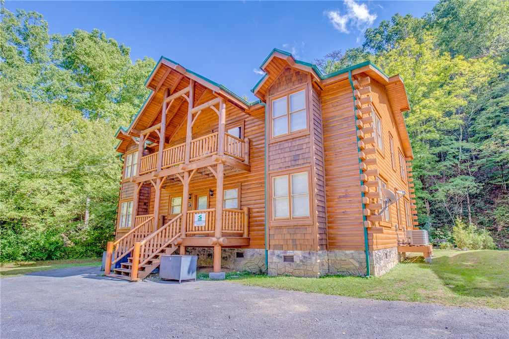 Photo of a Pigeon Forge Cabin named Creekside Getaway - This is the thirty-ninth photo in the set.