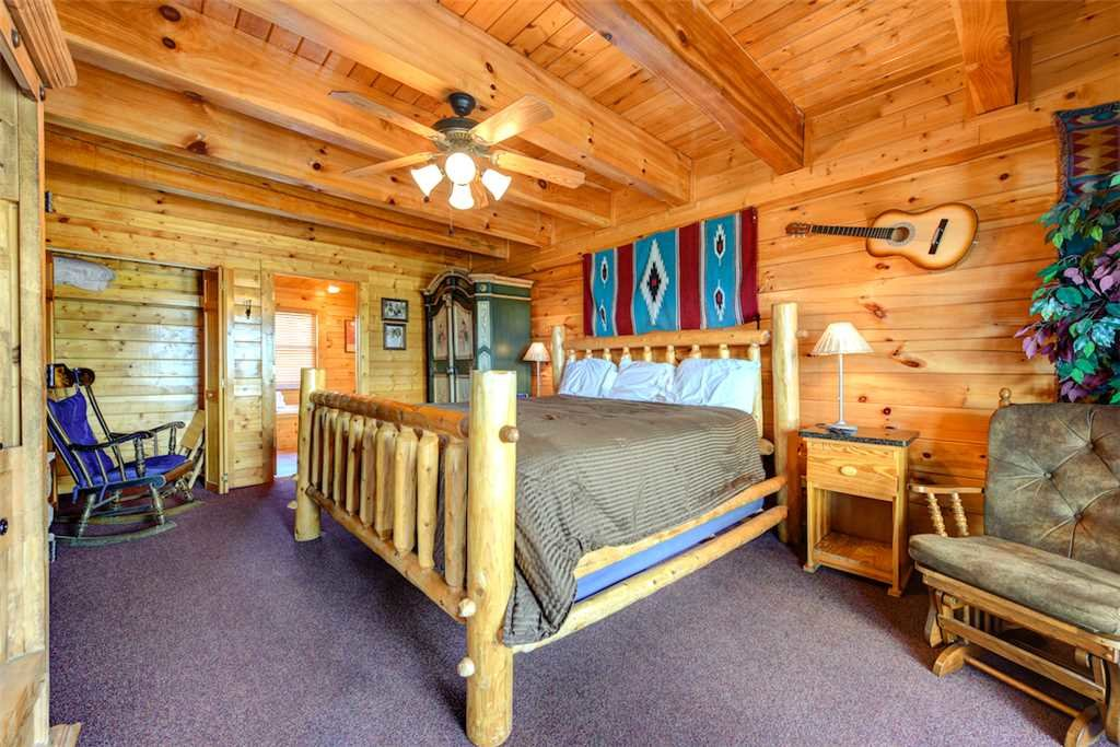 Photo of a Pigeon Forge Cabin named Mountaintop Lodge - This is the tenth photo in the set.