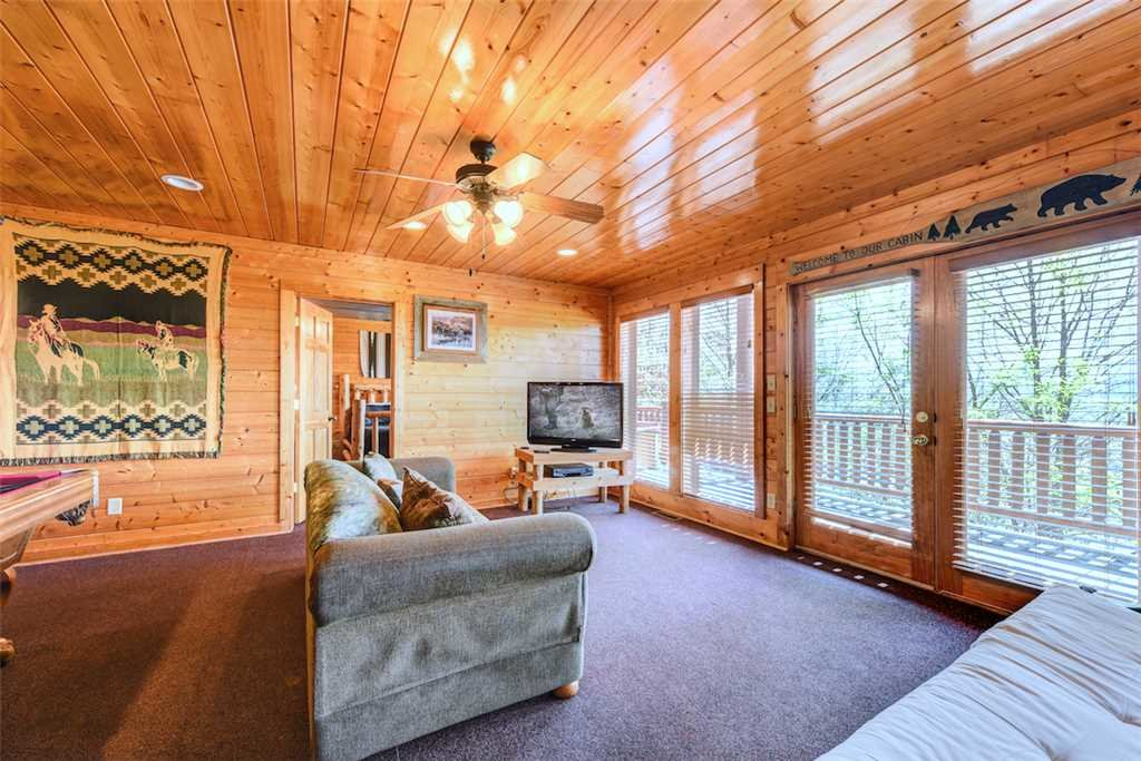 Photo of a Pigeon Forge Cabin named Mountaintop Lodge - This is the eighth photo in the set.