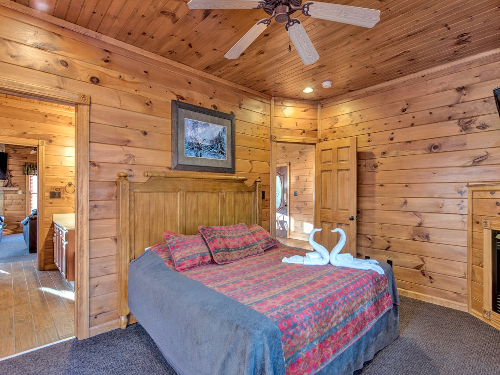Photo of a Gatlinburg Cabin named The Great Escape Ii - This is the twenty-first photo in the set.