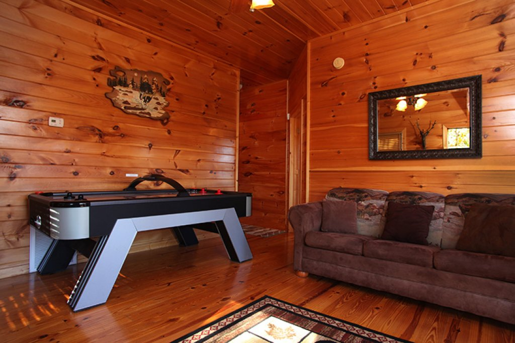 Photo of a Gatlinburg Cabin named Bear's Eye View - This is the nineteenth photo in the set.