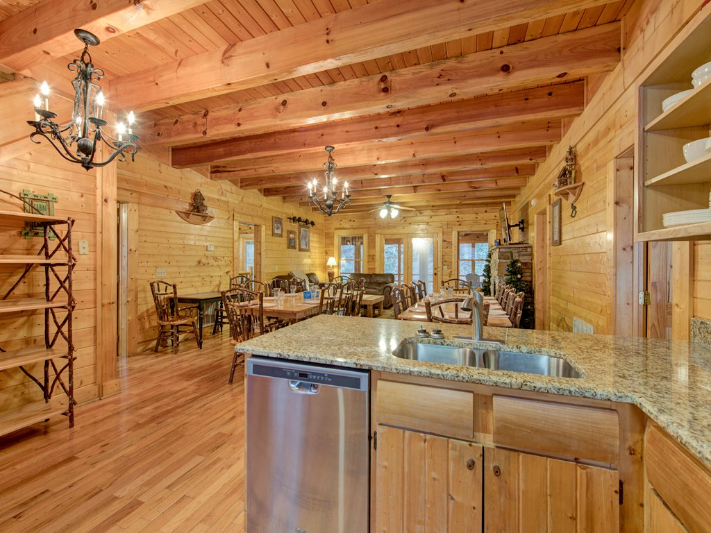 Photo of a Pigeon Forge Cabin named Creekside Getaway - This is the eighth photo in the set.