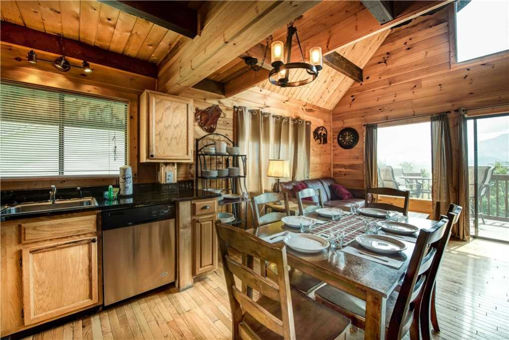 Photo of a Gatlinburg Cabin named Smoky Mountain View - This is the fifth photo in the set.