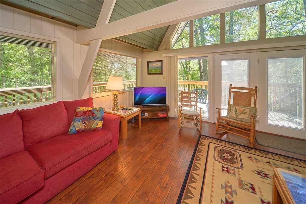 Photo of a Gatlinburg Cabin named Echota - This is the fifth photo in the set.