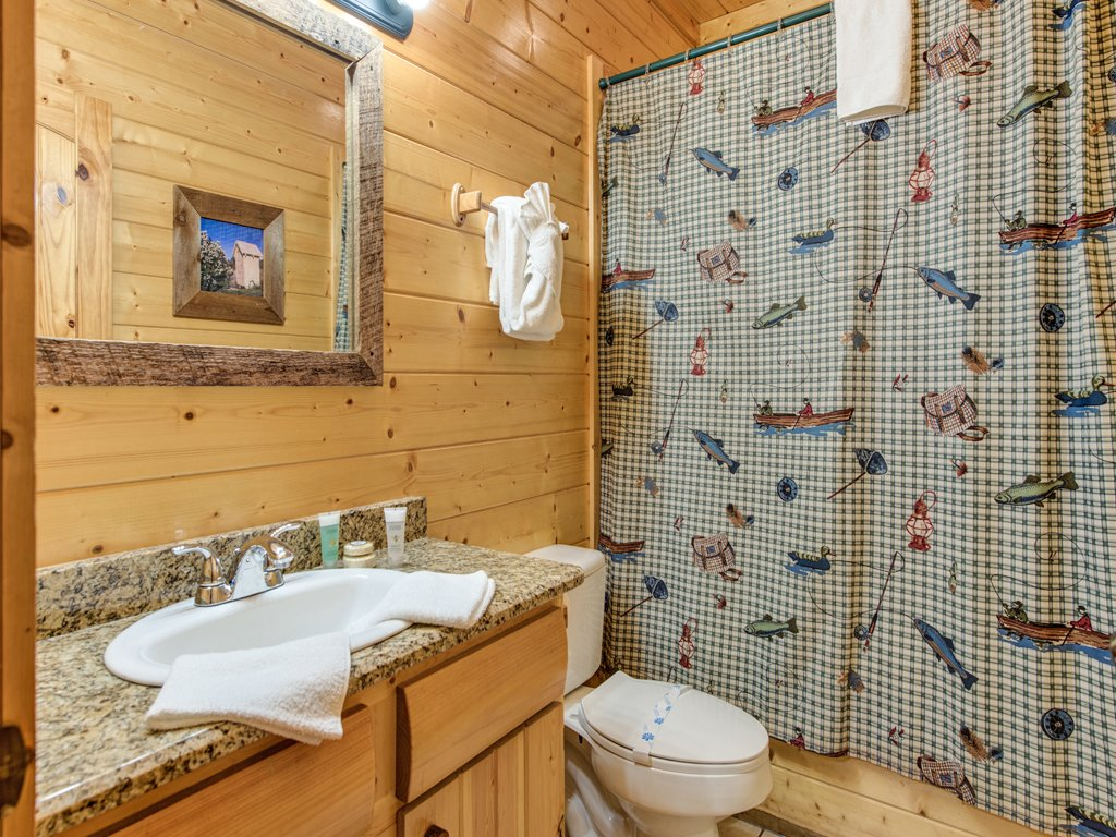 Photo of a Pigeon Forge Cabin named Creekside Getaway - This is the twenty-sixth photo in the set.
