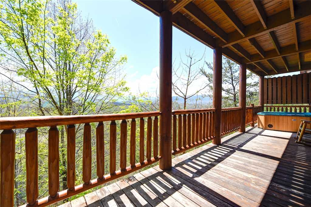 Photo of a Pigeon Forge Cabin named Mountaintop Lodge - This is the thirty-fifth photo in the set.