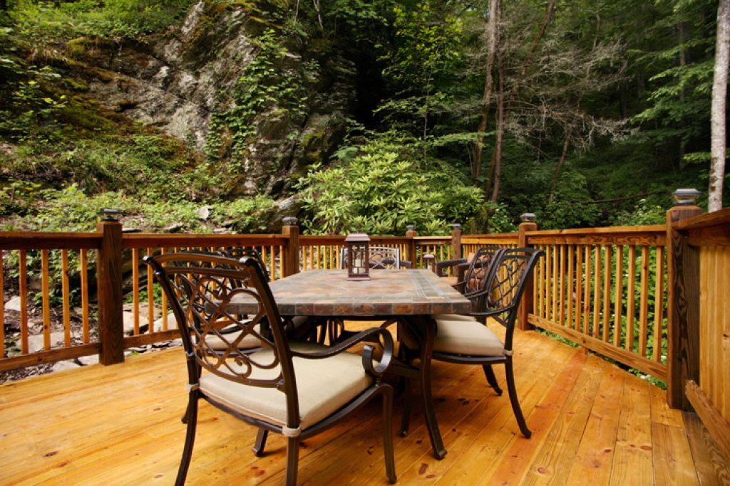 Photo of a Gatlinburg Cabin named Stonebrook Lodge - This is the third photo in the set.