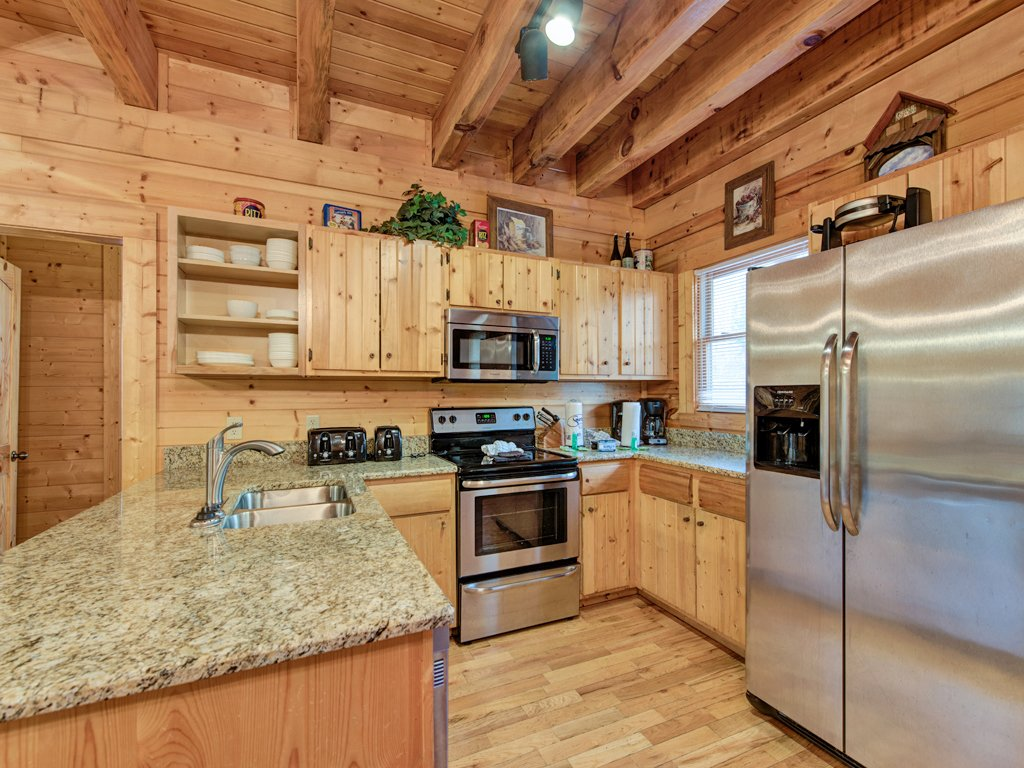 Photo of a Pigeon Forge Cabin named Creekside Getaway - This is the seventh photo in the set.