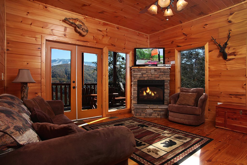 Photo of a Gatlinburg Cabin named Bear's Eye View - This is the eighteenth photo in the set.