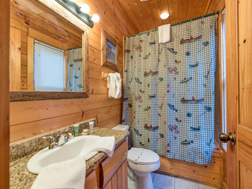 Photo of a Pigeon Forge Cabin named Creekside Getaway - This is the twentieth photo in the set.