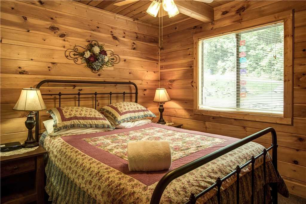 Photo of a Gatlinburg Cabin named Smoky Mountain View - This is the eleventh photo in the set.