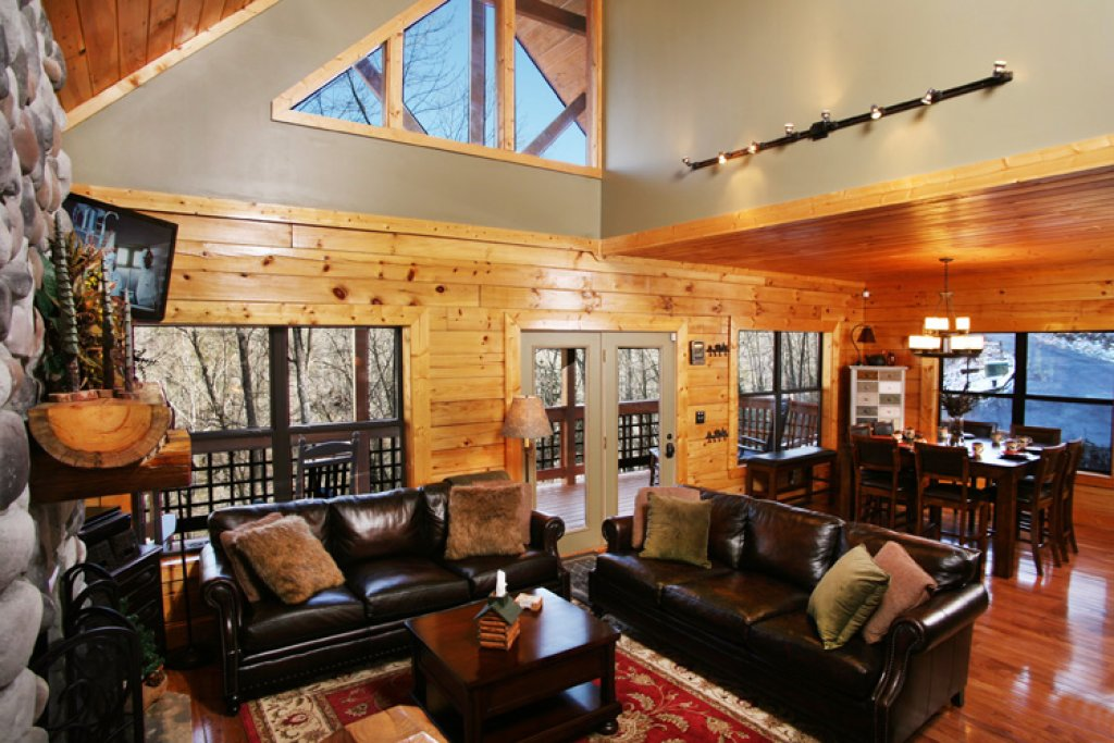 Photo of a Gatlinburg Cabin named Stonebrook Lodge - This is the first photo in the set.