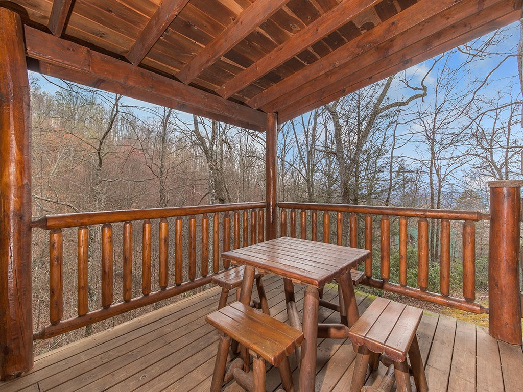 Photo of a Gatlinburg Cabin named Bear Bottom - This is the third photo in the set.