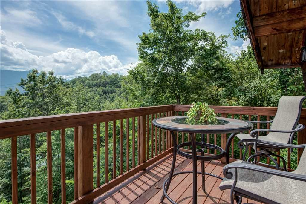 Photo of a Gatlinburg Cabin named Smoky Mountain View - This is the twenty-second photo in the set.
