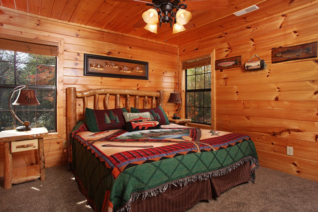 Photo of a Gatlinburg Cabin named Bear's Eye View - This is the sixteenth photo in the set.