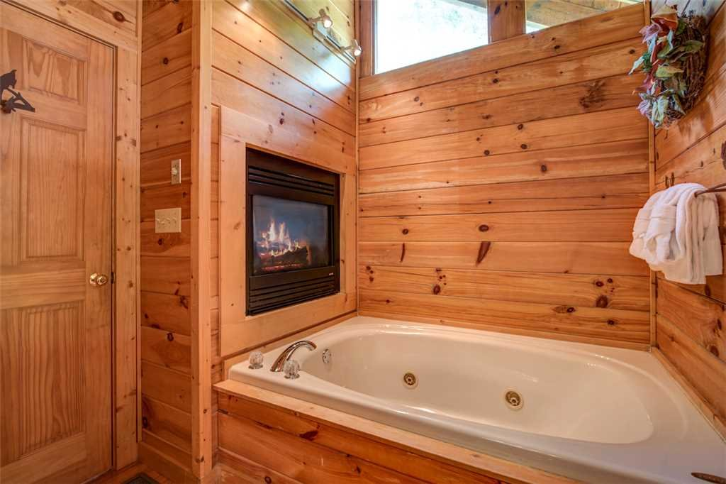 Photo of a Pigeon Forge Cabin named Absolutely Perfect - This is the fourteenth photo in the set.
