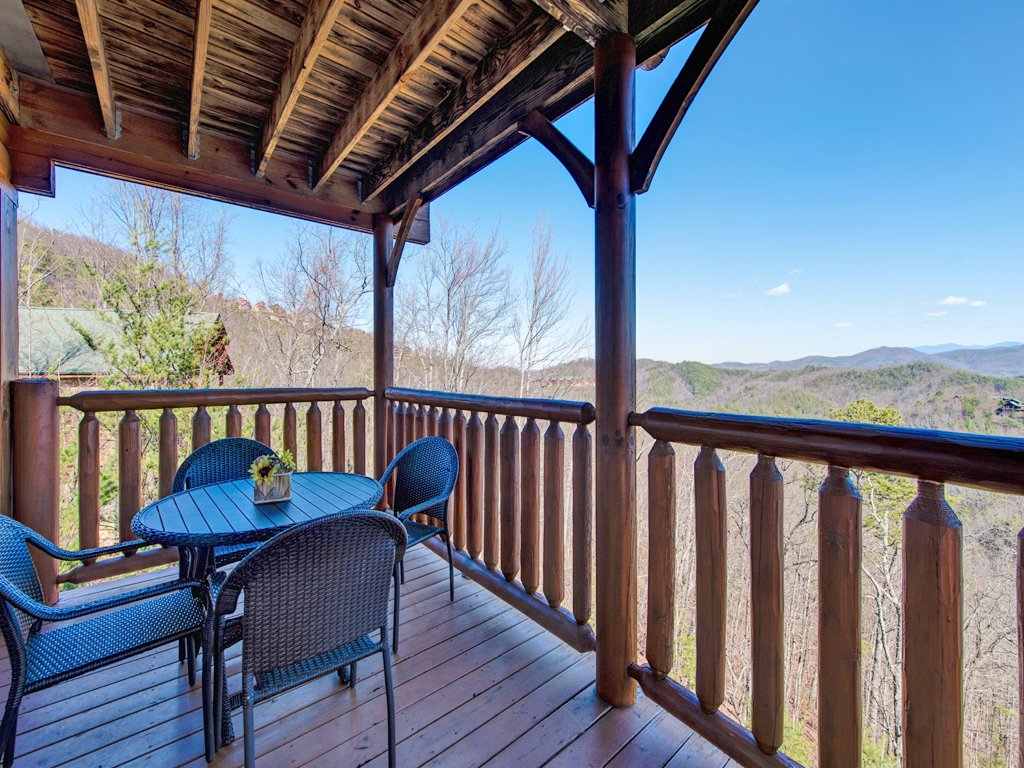 Photo of a Pigeon Forge Cabin named Bella Yani - This is the thirty-first photo in the set.
