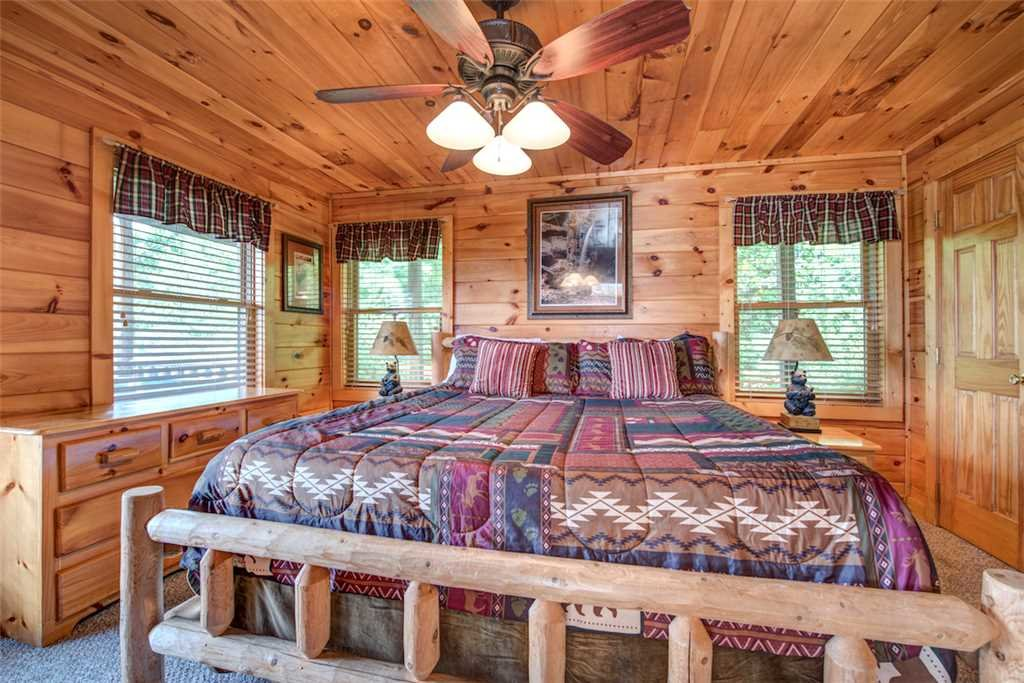 Photo of a Pigeon Forge Cabin named Absolutely Perfect - This is the sixteenth photo in the set.