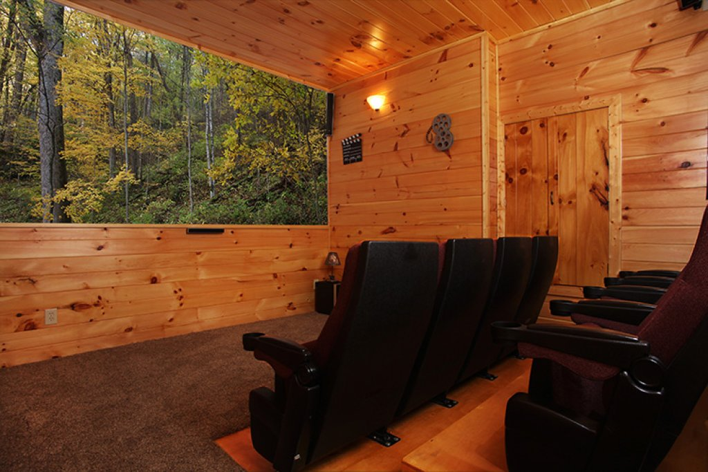 Photo of a Gatlinburg Cabin named Bear's Eye View - This is the fifteenth photo in the set.