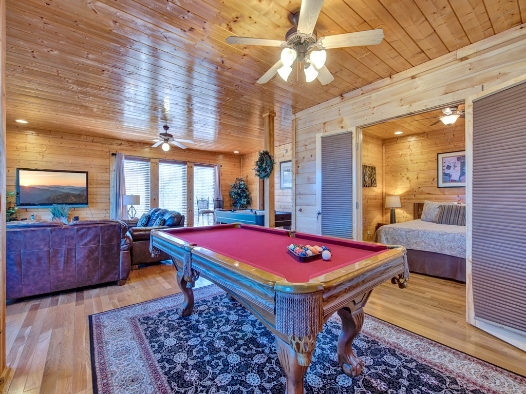 Photo of a Pigeon Forge Cabin named Bella Yani - This is the twelfth photo in the set.