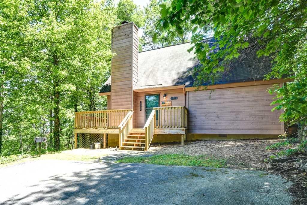 Eagles nest ii cabin in gatlinburg w 2 br sleeps4 for Cabin rental companies in gatlinburg tn