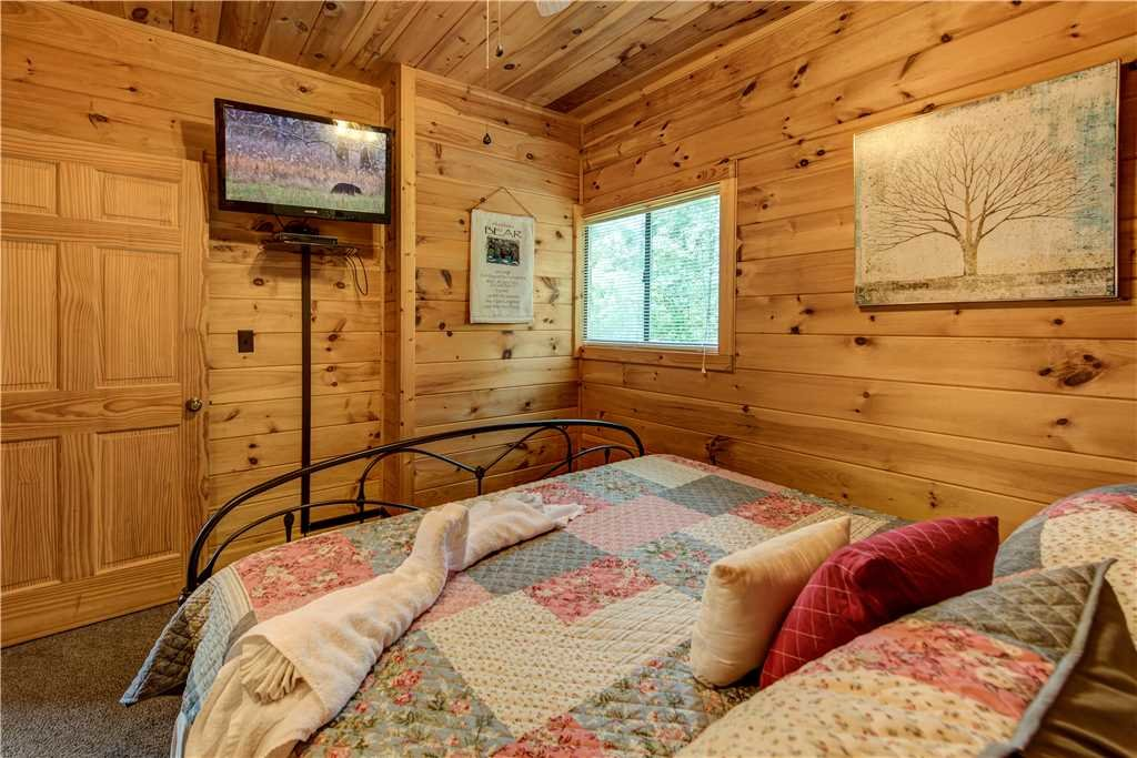Photo of a Gatlinburg Cabin named Smoky Mountain View - This is the eighteenth photo in the set.