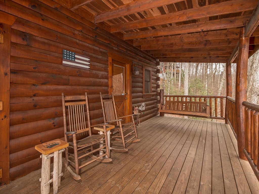 Photo of a Gatlinburg Cabin named Bear Bottom - This is the fifteenth photo in the set.