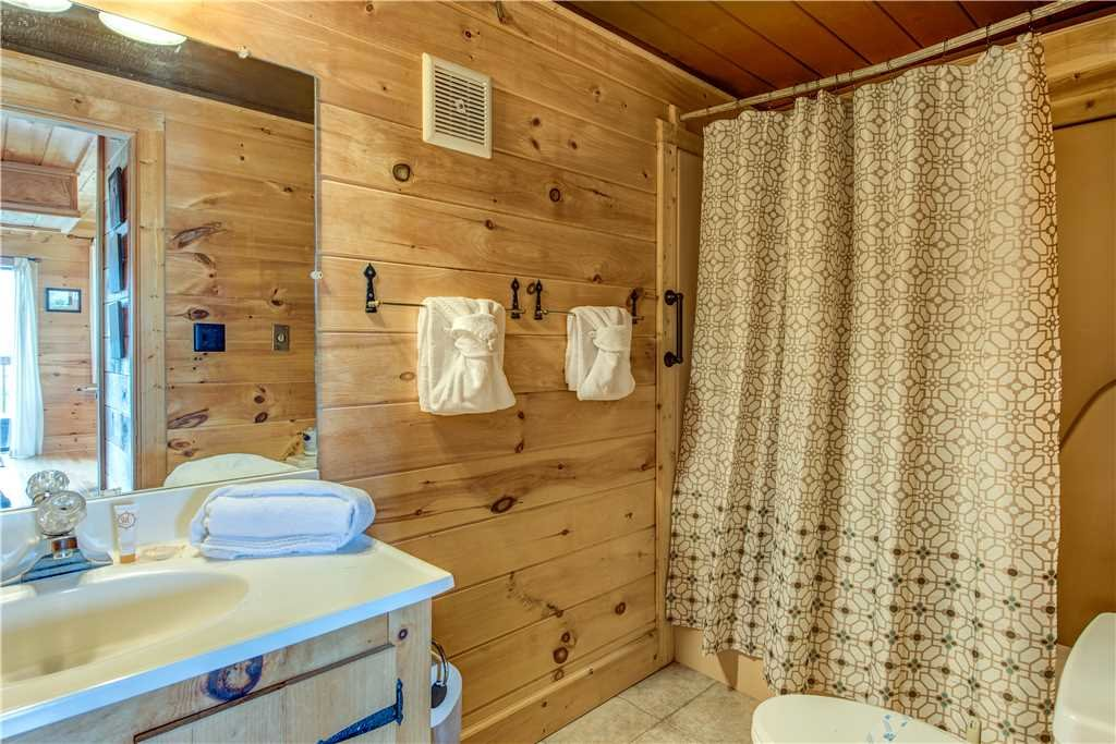 Photo of a Gatlinburg Cabin named Smoky Mountain View - This is the nineteenth photo in the set.