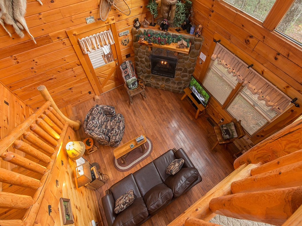 Photo of a Gatlinburg Cabin named Bear Bottom - This is the fifth photo in the set.