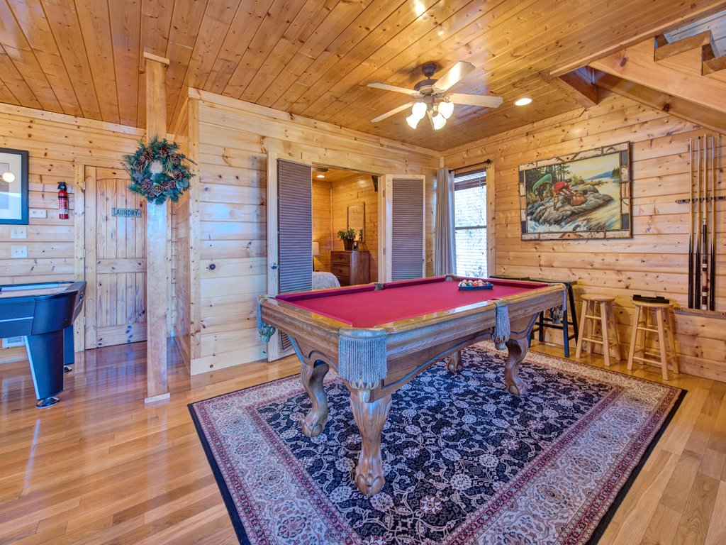 Photo of a Pigeon Forge Cabin named Bella Yani - This is the thirteenth photo in the set.