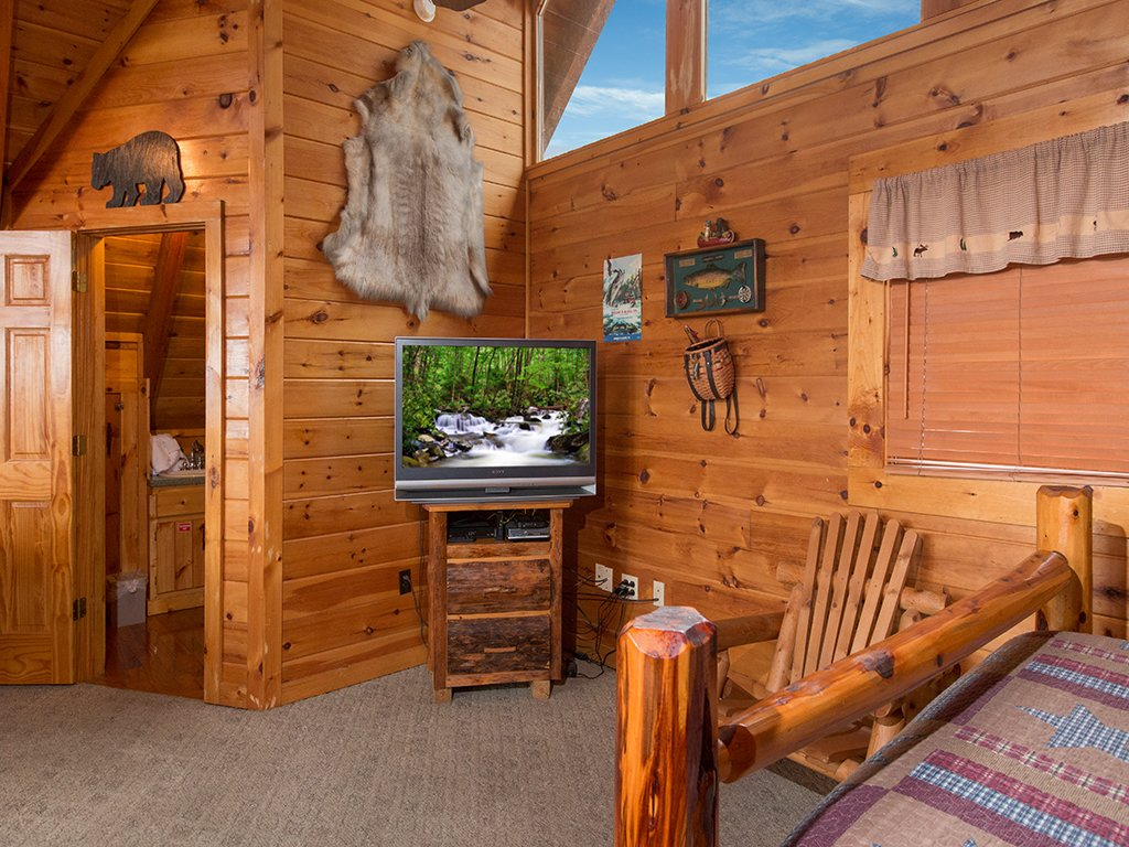 Photo of a Gatlinburg Cabin named Bear Bottom - This is the twelfth photo in the set.