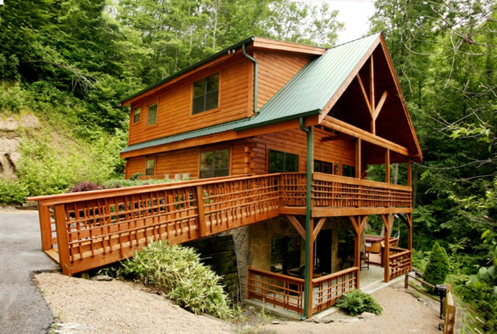 Photo of a Gatlinburg Cabin named Stonebrook Lodge - This is the twenty-sixth photo in the set.