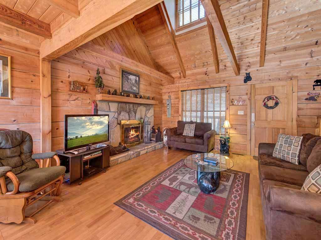 Photo of a Gatlinburg Cabin named Mountain Memories - This is the fourth photo in the set.