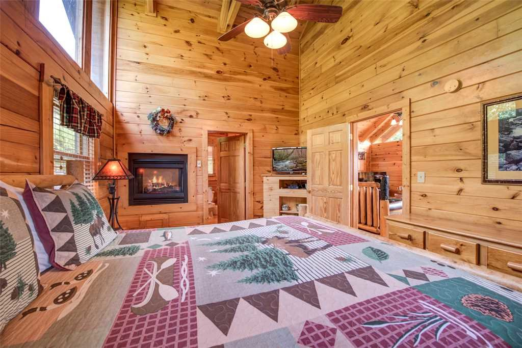 Photo of a Pigeon Forge Cabin named Absolutely Perfect - This is the twelfth photo in the set.