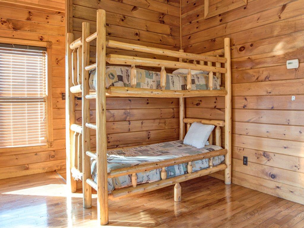 Photo of a Gatlinburg Cabin named Gatlinburg Majesty - This is the twenty-fourth photo in the set.