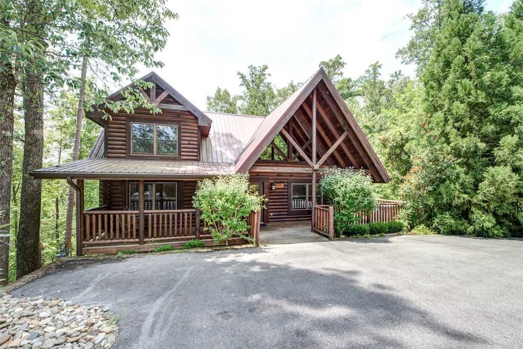 Photo of a Gatlinburg Cabin named Natural Beauty - This is the second photo in the set.