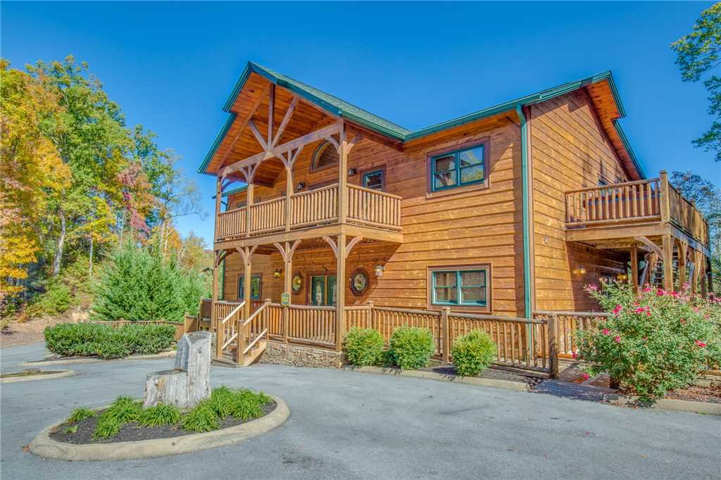 Photo of a Gatlinburg Cabin named Big Sky Lodge Ii - This is the first photo in the set.
