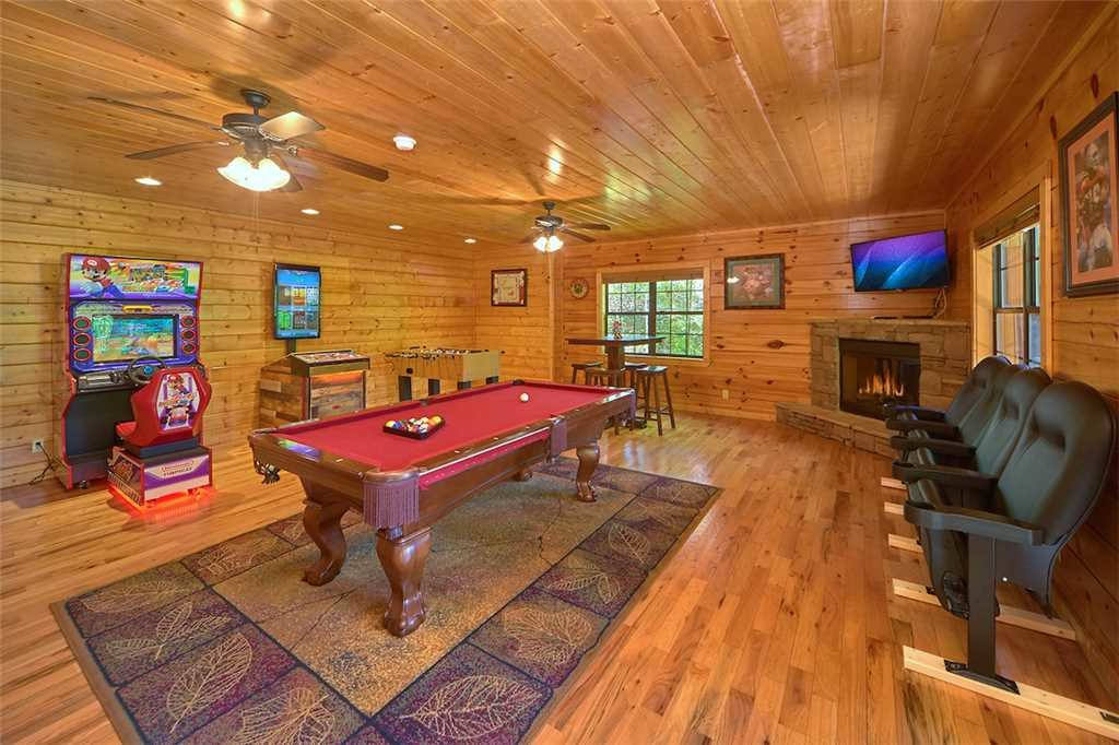 Photo of a Pigeon Forge Cabin named Smoky Mountain Hideaway - This is the tenth photo in the set.
